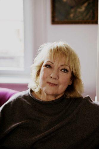 (c) Charlotte Schreiber